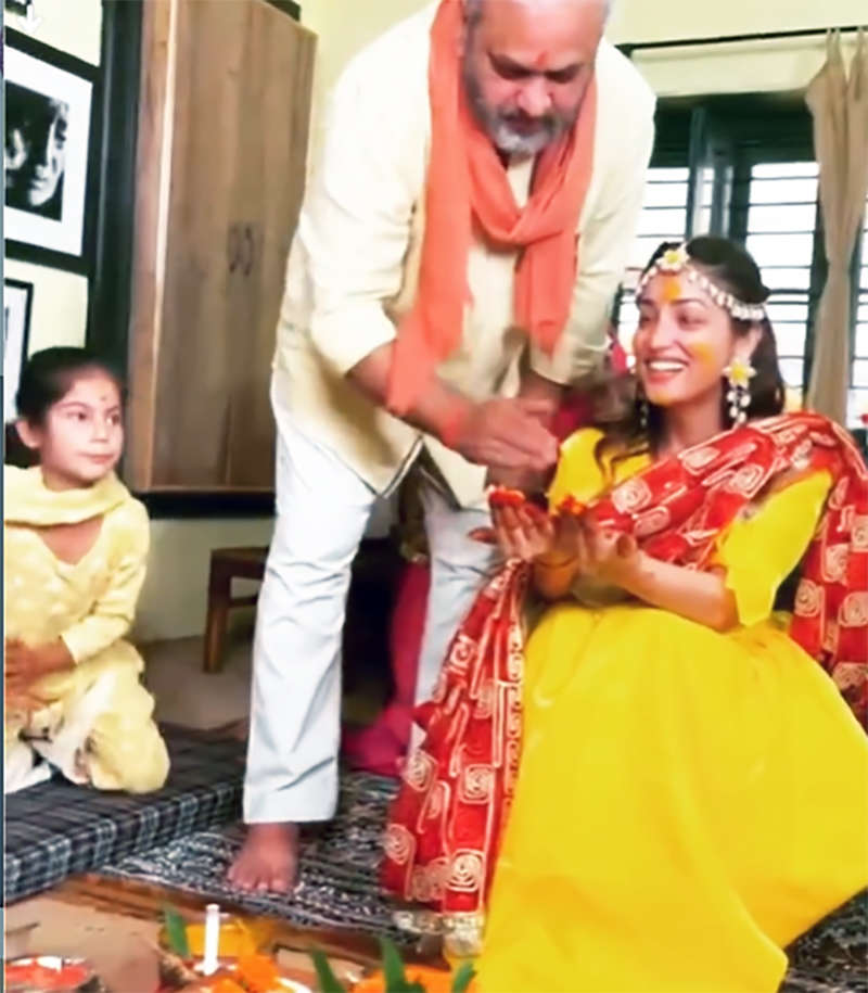 Unseen pictures from Yami Gautam's haldi ceremony you just can't give a miss!