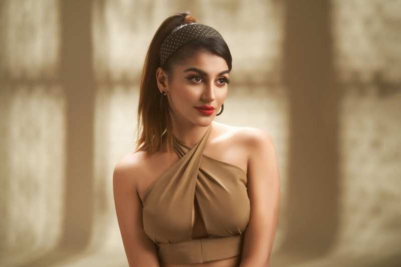 Yashika Anand's pictures go viral after she gets injured in car accident