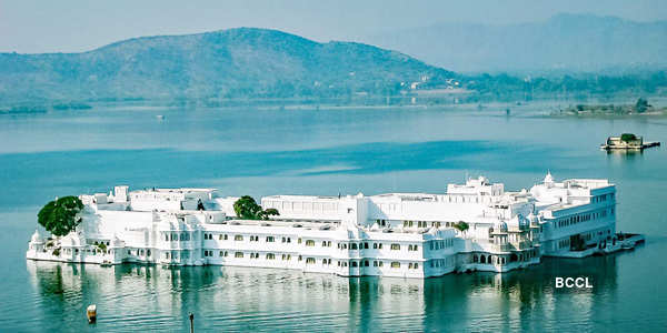 20 images of magnificent palaces in India