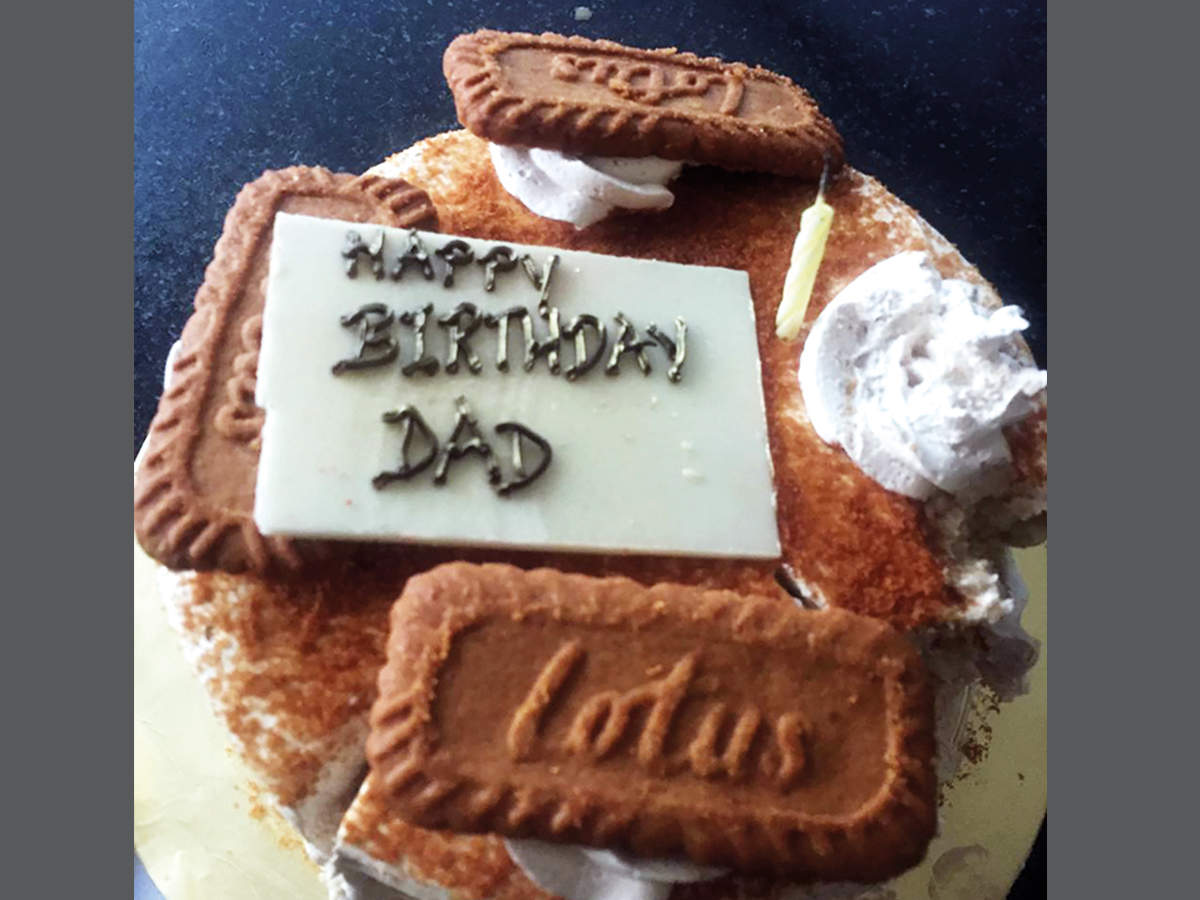 Palak Tiwari also brought a special cake for her dad, Raja Chaudhary on his birthday recently (BCCL)