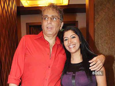 Shandar Amrohi & Barkha Roy's bash