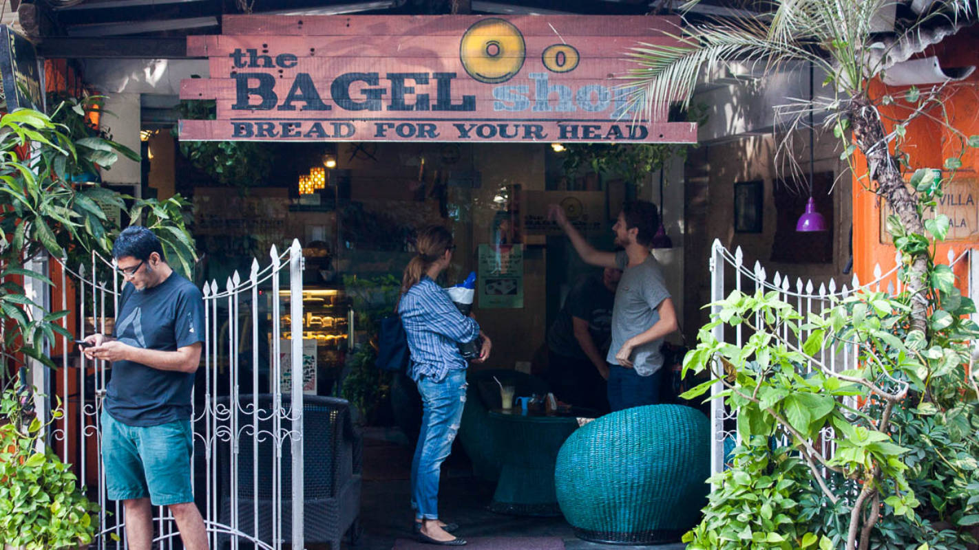 Top 5 pet-friendly cafes in Bombay