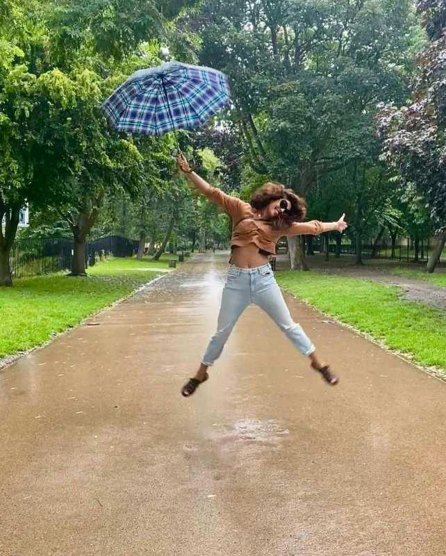Priyanka Chopra's London summer pictures are all things fun!