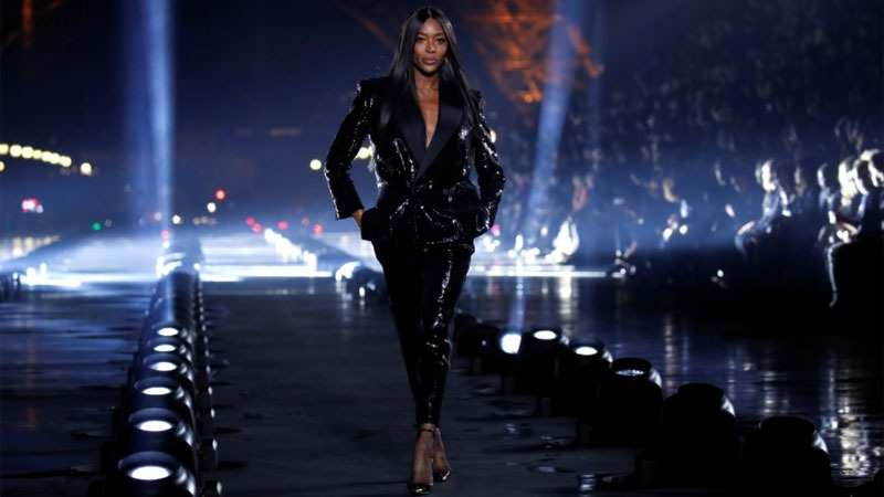Naomi Campbell is the queen of fashion! Check out the supermodel's most spectacular looks in these photos