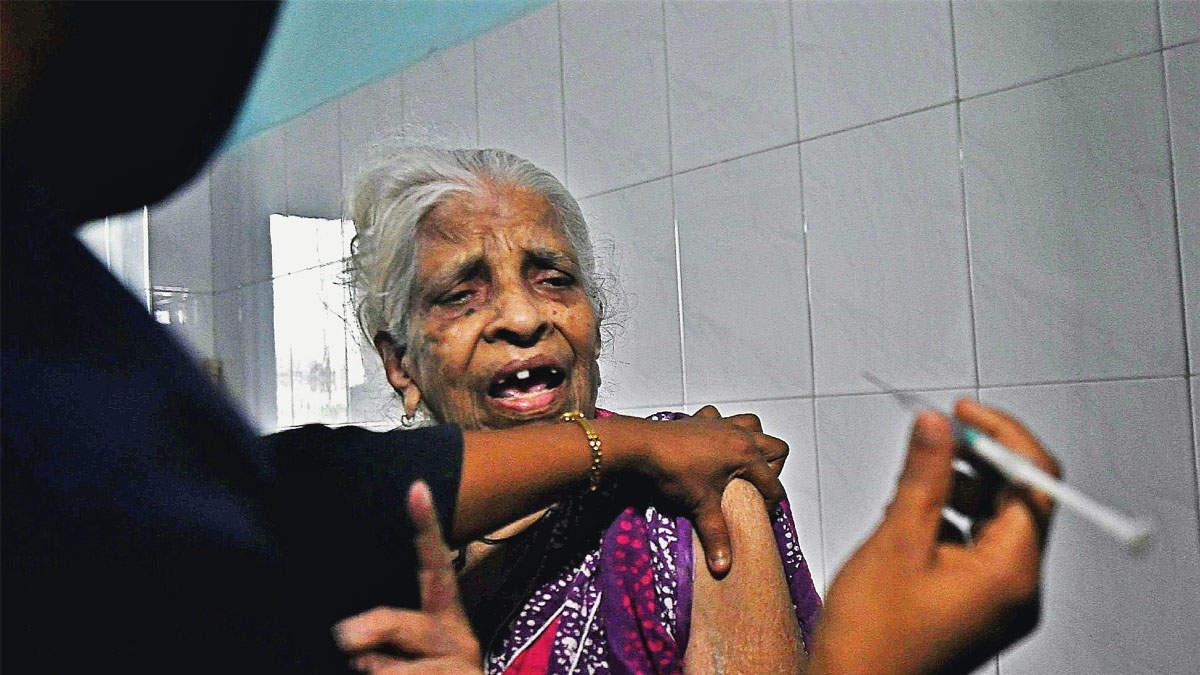Photos: Door-to-door vaccination for elderly begins in Mumbai