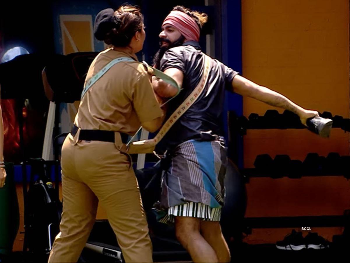 The fight between Sajina and Sai