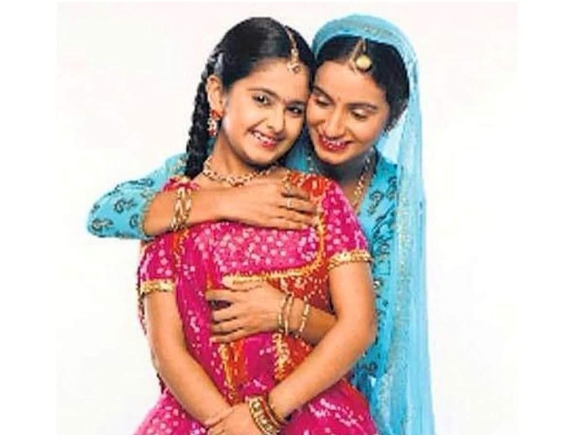 Avika Gor as Anandi and Bhairavi Raichura in a still from Balika Vadhu (Instagram)