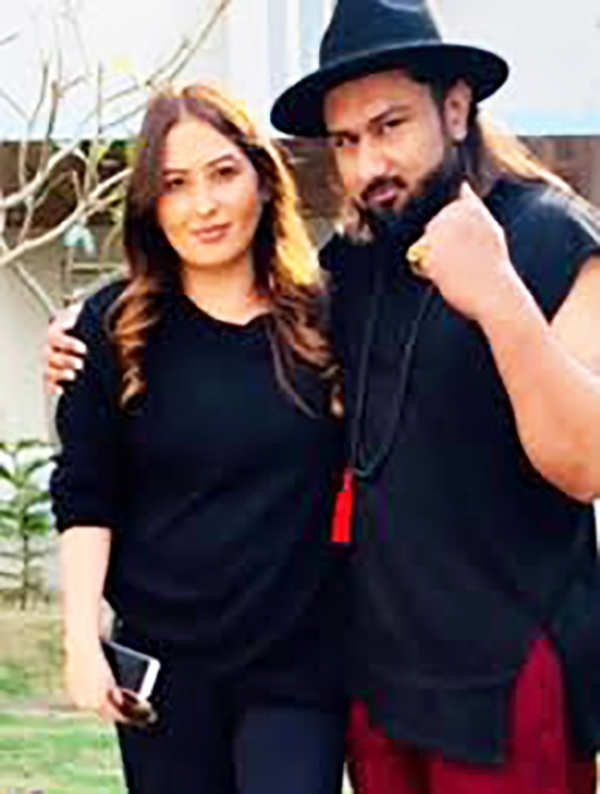 Pictures of Yo Yo Honey Singh & wife go viral after singer's wife accused him of domestic violence