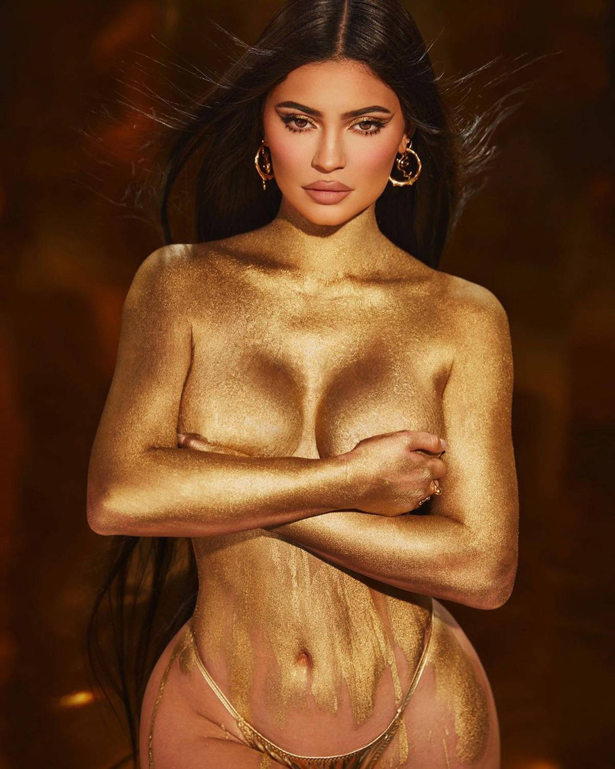 Makeup and skincare mogul Kylie Jenner shakes up the internet with her glamorous photos