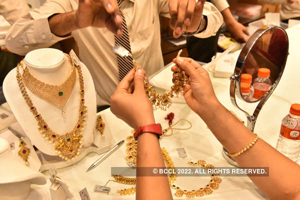 Gold tumbles Rs 317, silver declines Rs 1,128