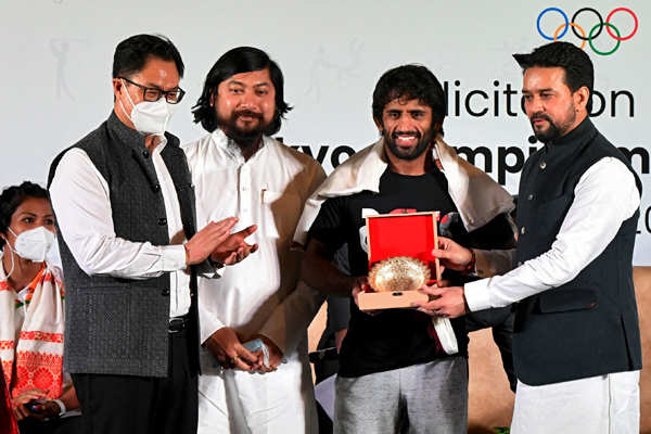 Pictures from grand felicitation ceremony for Indian Olympic medal-winners