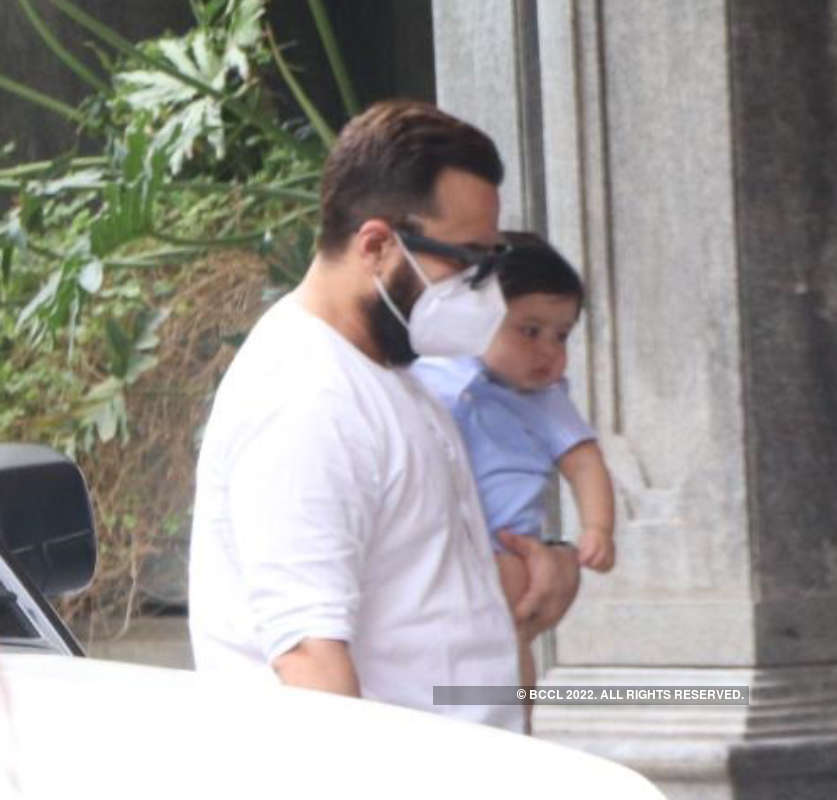 First pictures of Kareena Kapoor and Saif Ali Khan's son Jeh go viral!
