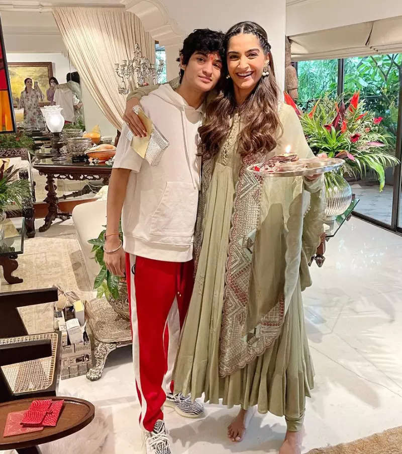 Fun-filled pictures from Kapoor family's Rakhi celebrations