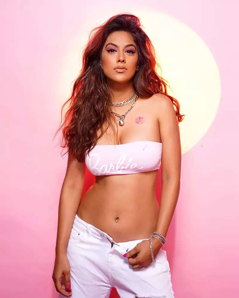 Nia Sharma's latest pictures in a tube top are nothing short of a style statement