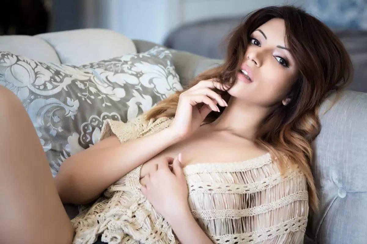 TV actress Shama Sikander's gorgeous photos shake up the internet