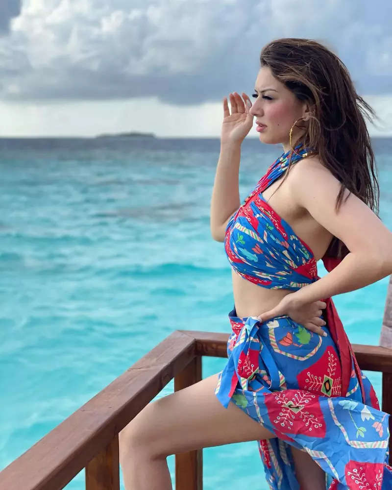South star Hansika Motwani's vacation pictures prove that she is a bikini queen