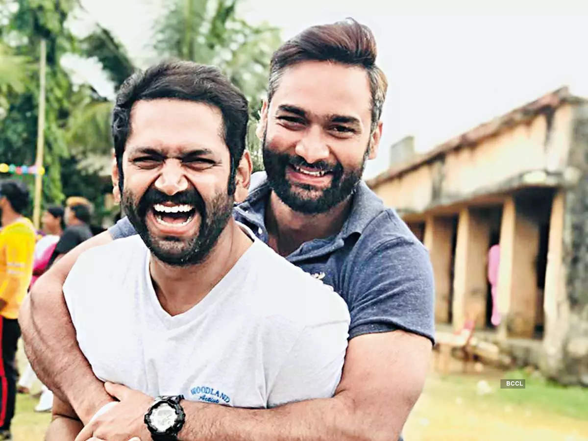 Director Anuj Tyagi with actor Sharib Hashmi