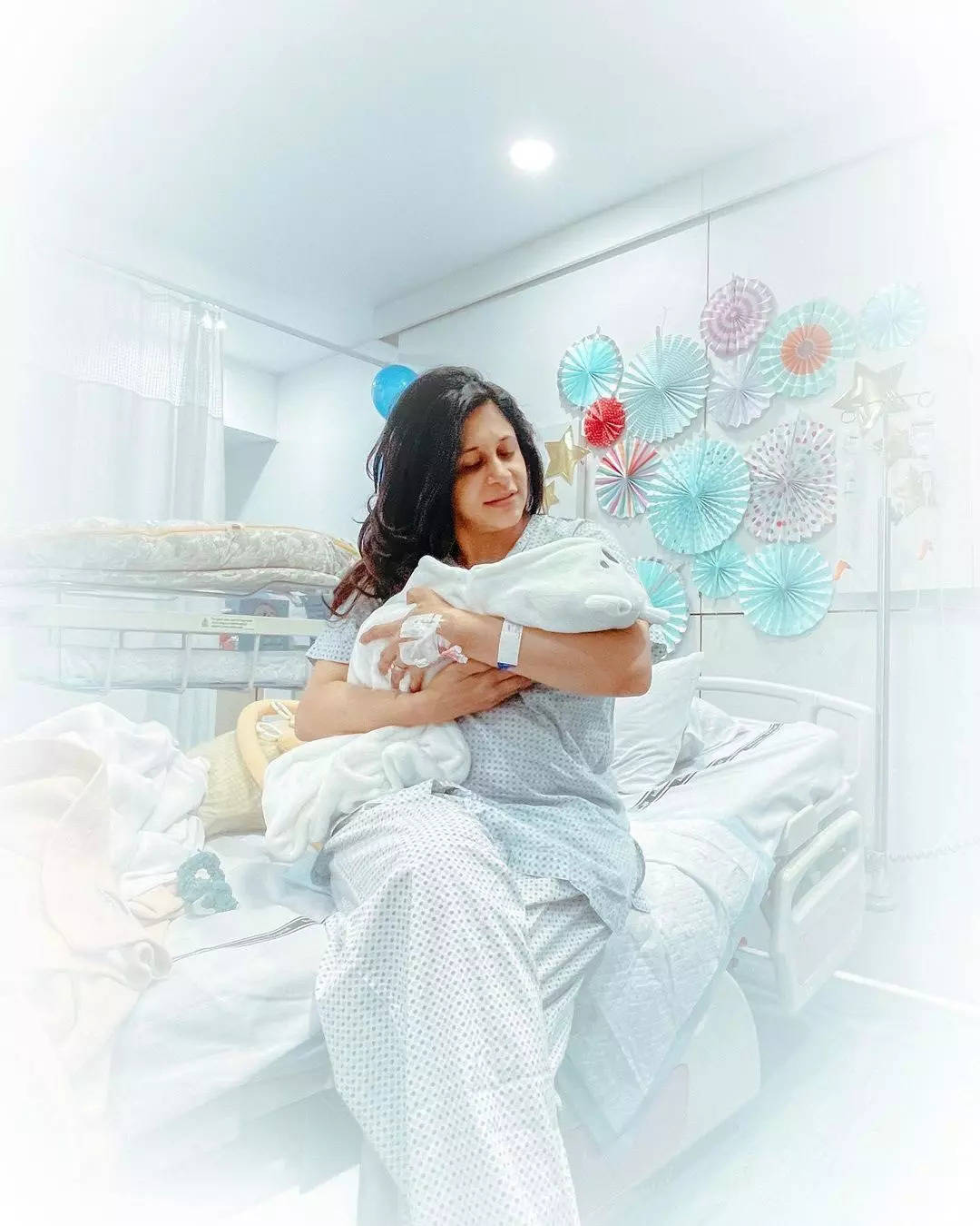 Kishwer and Suyyash receive warm welcome as they bring their newborn baby boy home