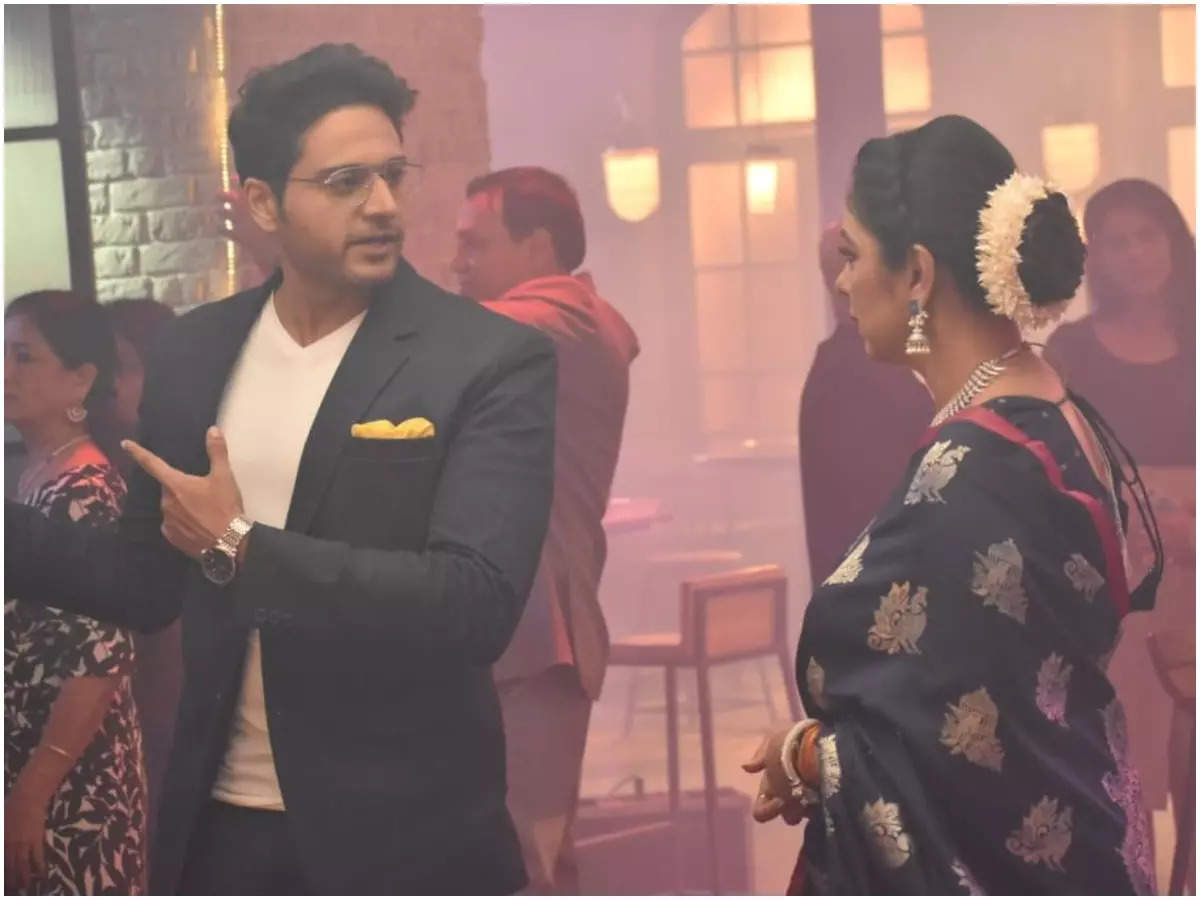 Gaurav Khanna and Rupali Ganuly in a still from the show (BCCL)