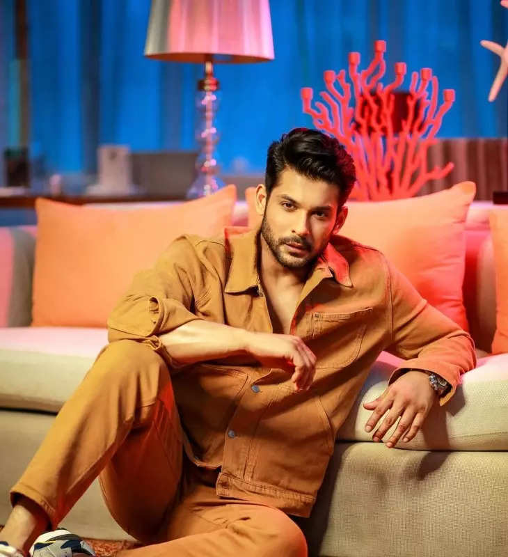 Pictures of Bigg Boss 13 winner Sidharth Shukla go viral after he dies of massive heart attack
