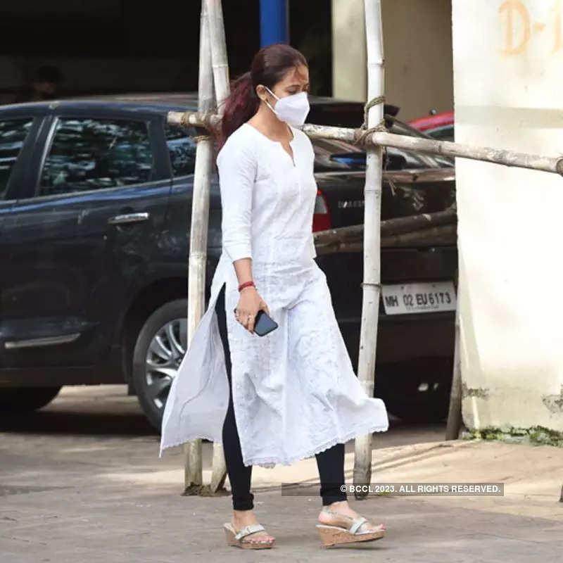 Sidharth Shukla death: Asim Riaz, Devoleena Bhattacharjee, Rahul Mahajan and several other celebs visit Cooper Hospital