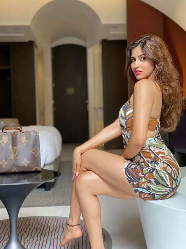 """Stunning pictures of the """"Bom Diggy Diggy"""" girl Sakshi Malik who's a true diva in real life!"""