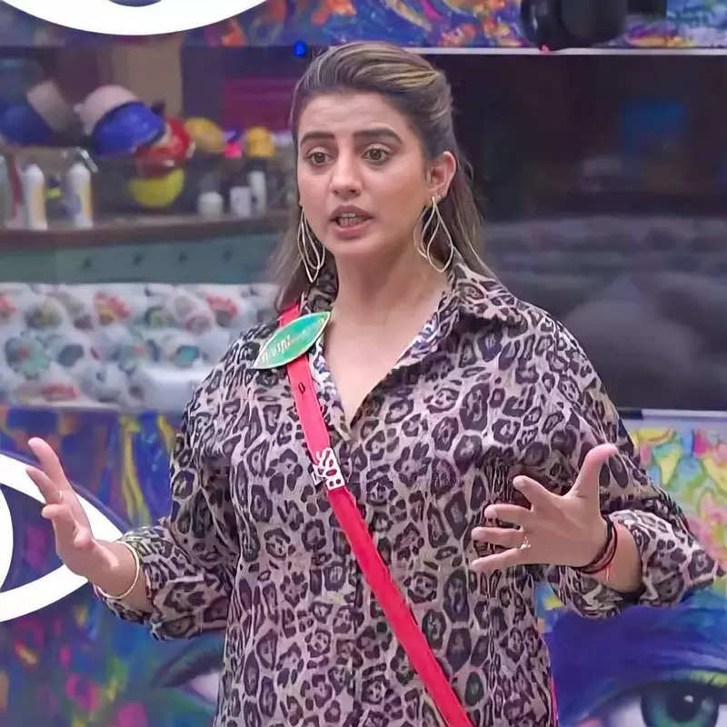 Pictures of Bhojpuri actress Akshara Singh go viral as she gets evicted from Bigg Boss OTT