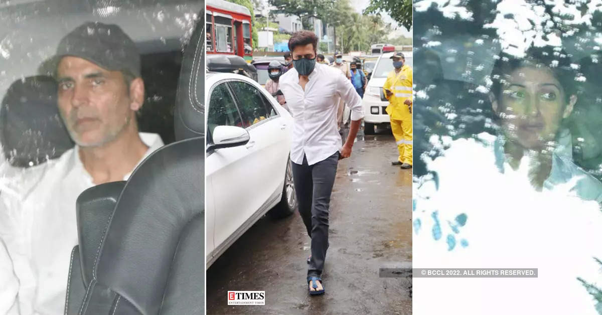 Riteish Deshmukh, Rohit Shetty and others attend Akshay Kumar's mother's funeral
