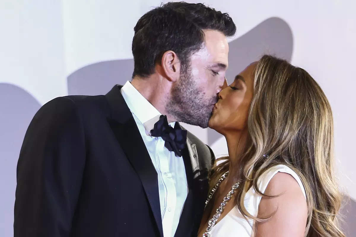 Bennifer 2.0: Ben Affleck and Jennifer Lopez steal everyone's hearts with their PDA at Venice Film Festival