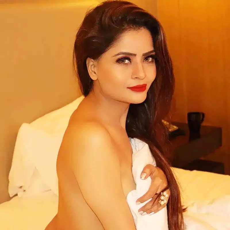 Gehana Vasisth is shaking up the internet with her topless bedroom photoshoot
