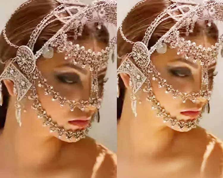 These pictures of Urvashi Rautela in diamond-studded jewellery will leave you dazzled