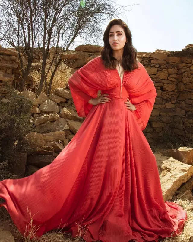 Yami Gautam shells out fashion cues in a fiery red dress, stuns internet with her goddess-like charm in new pics