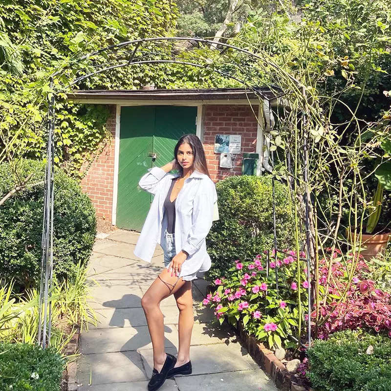 Suhana Khan's latest pictures in an oversized shirt with a tank top & shorts will leave you spellbound