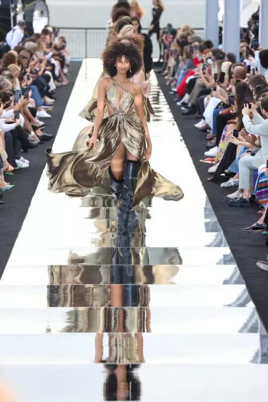 New York Fashion Week ends on a high note! See best looks in photos from NYFW Spring/Summer 2022 runways