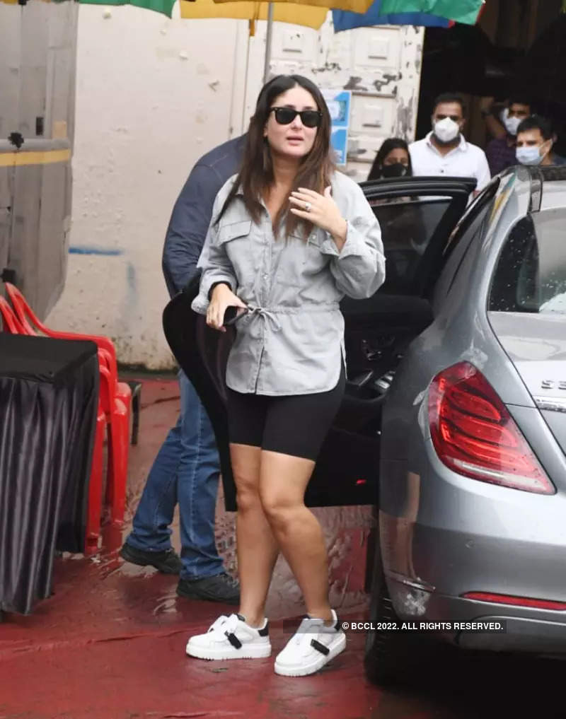 #ETimesSnapped: From Kareena Kapoor to Malaika Arora, paparazzi pictures of your favourite celebs