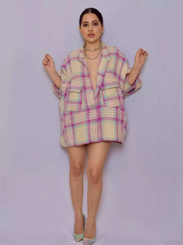 Bigg Boss OTT contestant Urfi Javed raises temperatures in an oversized jacket, pictures go viral
