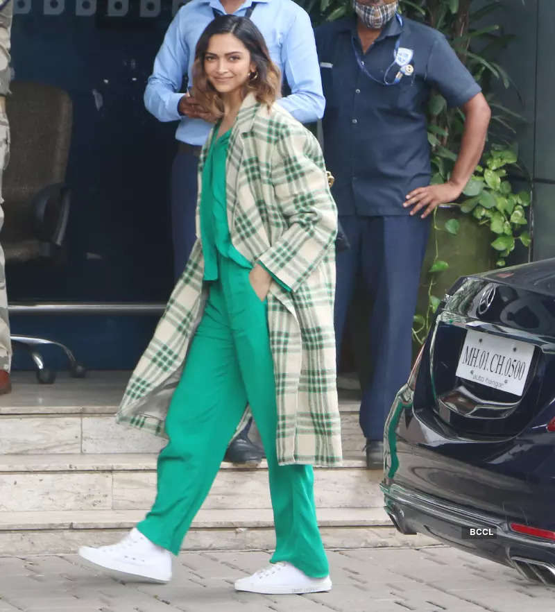 #ETimesSnapped: From Deepika Padukone to Urfi Javed, paparazzi pictures of your favourite celebs