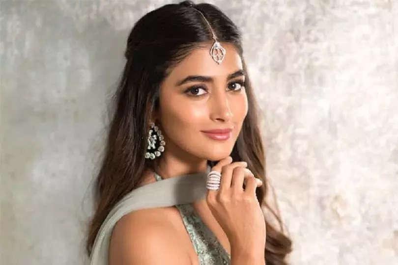 Pooja Hegde to romance with Pawan Kalyan in 'Bhavadeeyudu Bhagat Singh'