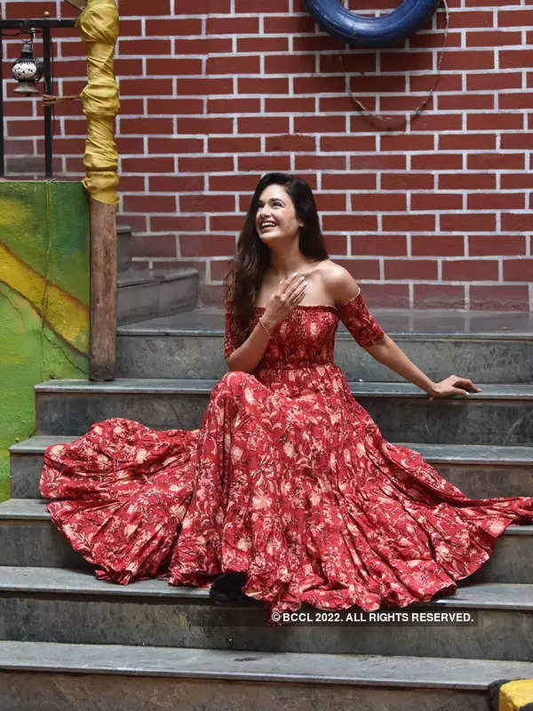 Yuvika Chaudhary looks alluring in a red dress