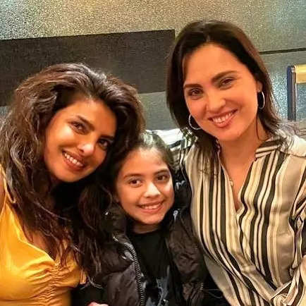 Beauty queens Priyanka Chopra and Lara Dutta caught up in London, Dia Mirza reacts