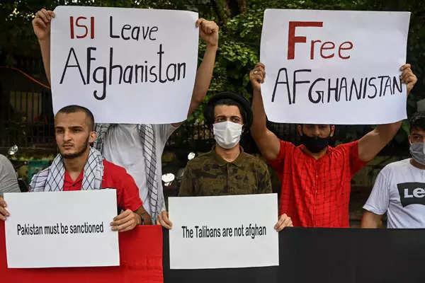 New Delhi: Afghan refugees hold protest against Taliban