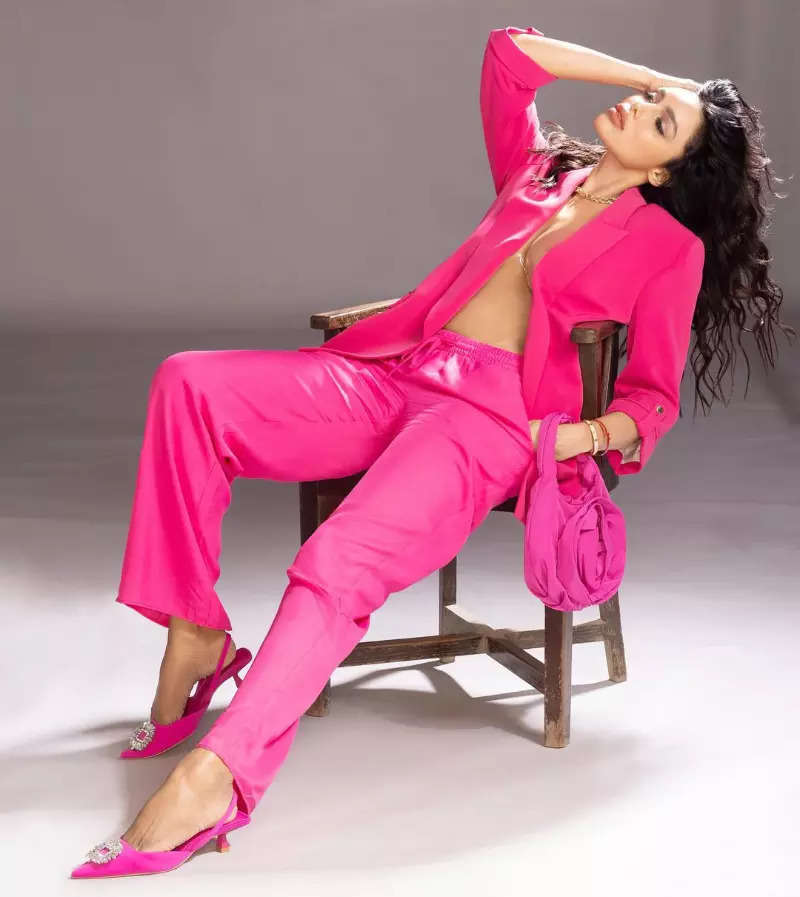 Gizele Thakral oozes glamour in a pink unbuttoned blazer in her new ravishing photoshoot