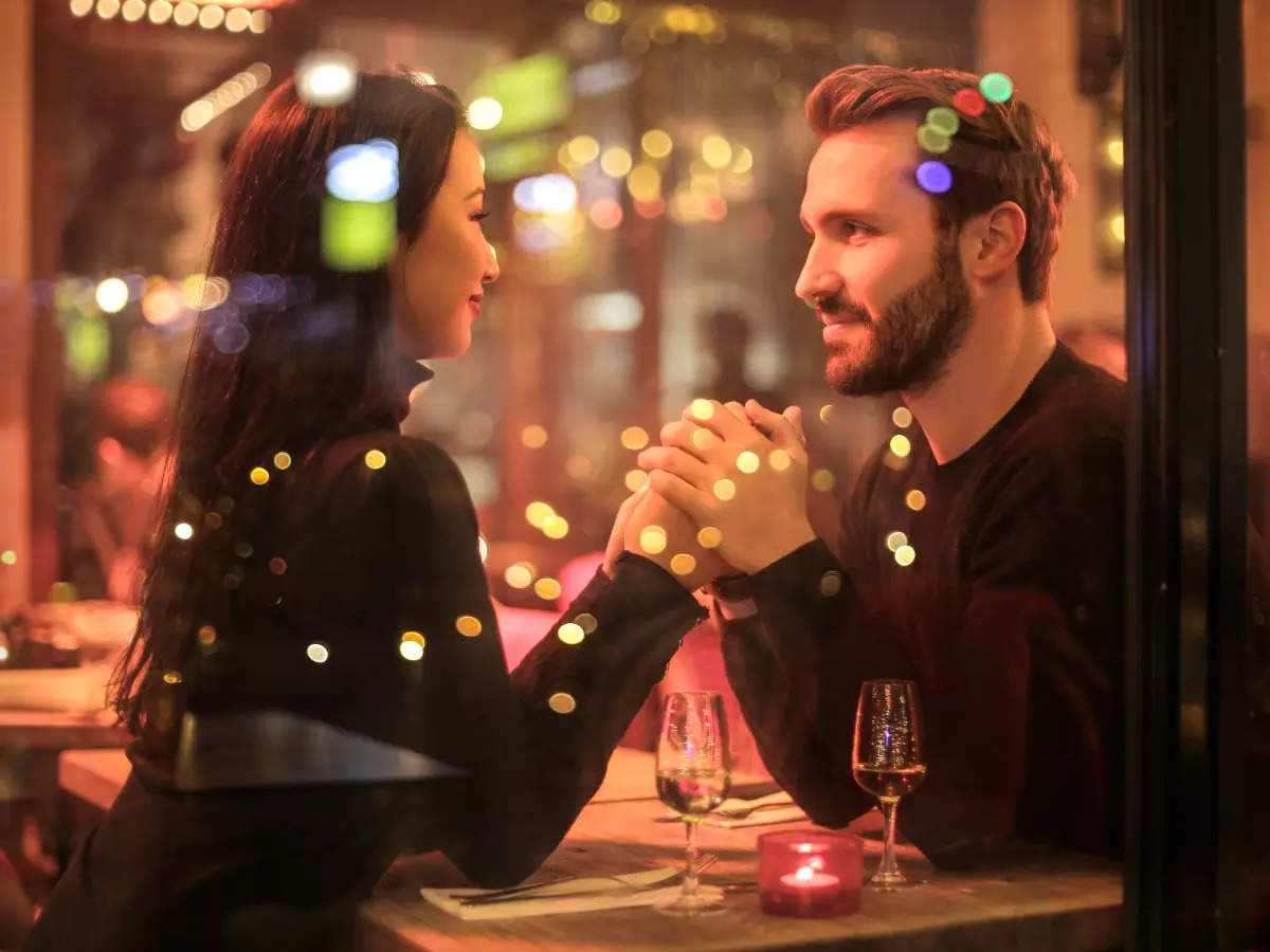 What men notice on their first date  | The Times of India