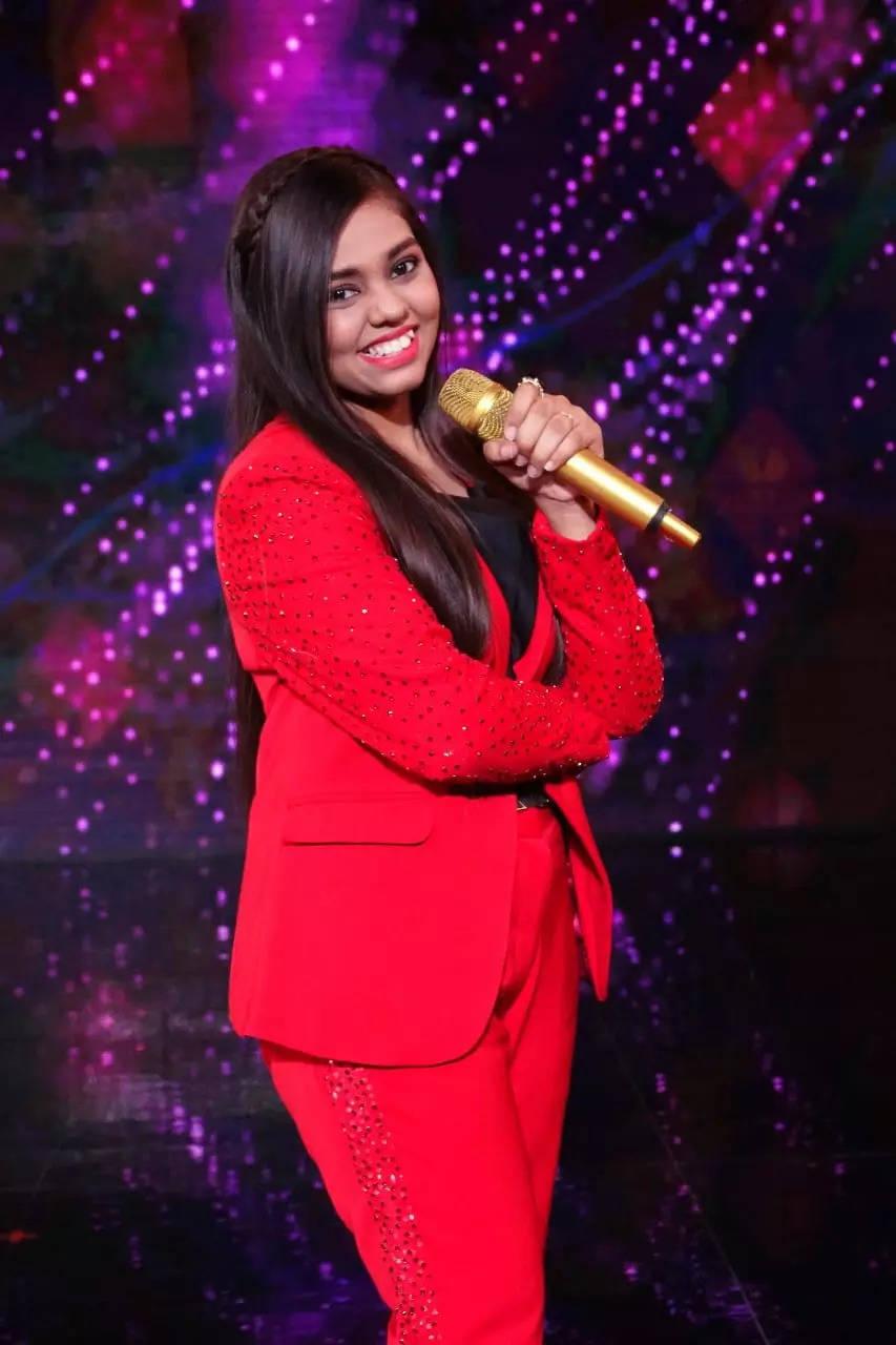 Shanmukha Priya (4)
