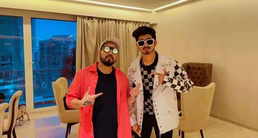 Pictures from Mika Singh's new song 'Akhan Sharabi' featuring actor Ridham Jataniya