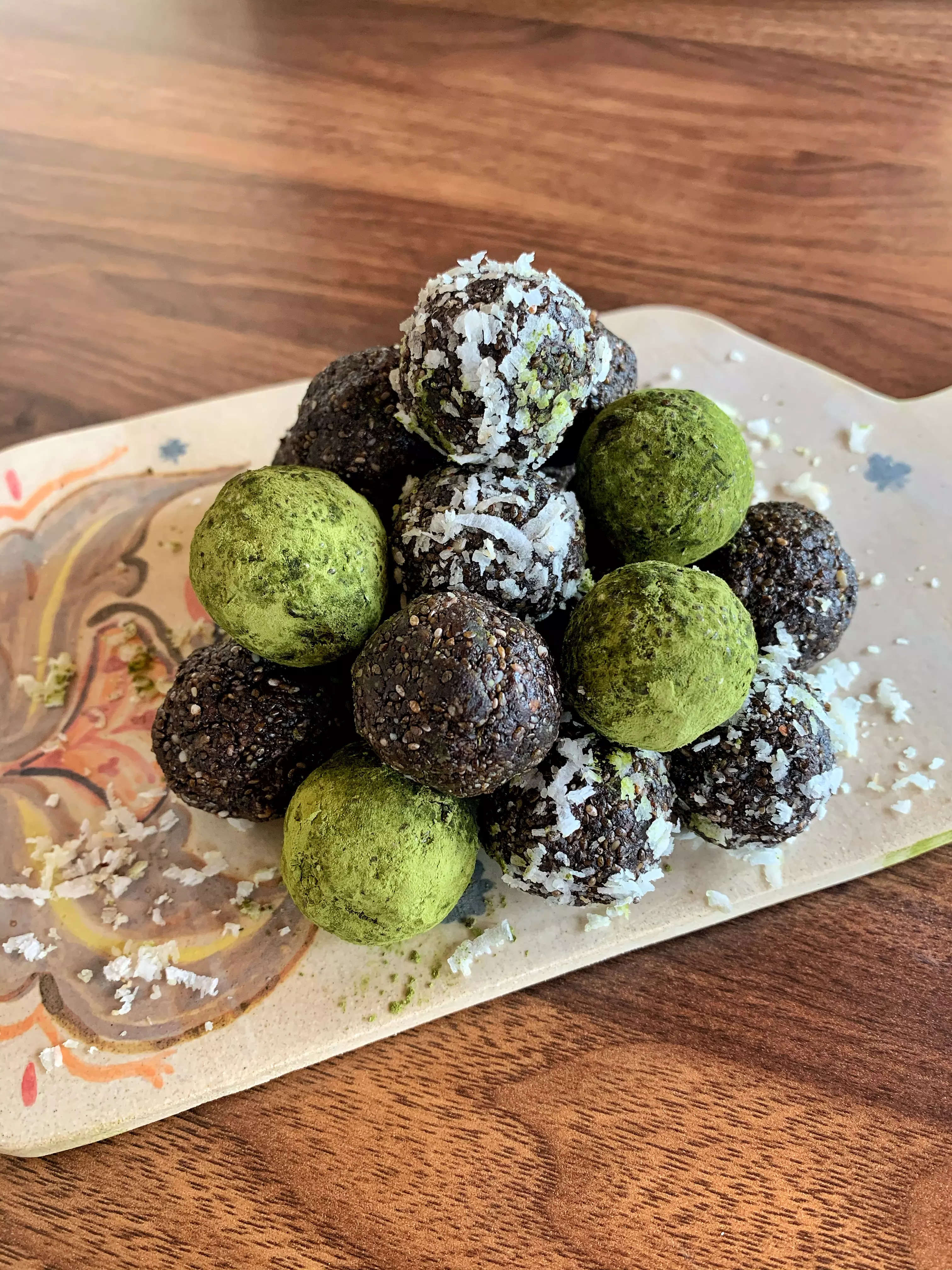 Fruit and nut ladoo