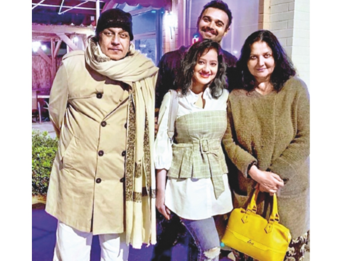 Madalsa Sharma with her in-laws