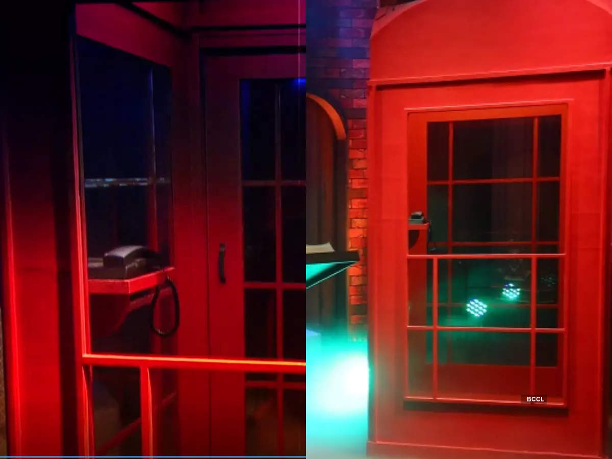 Phonebooth in the temptation room