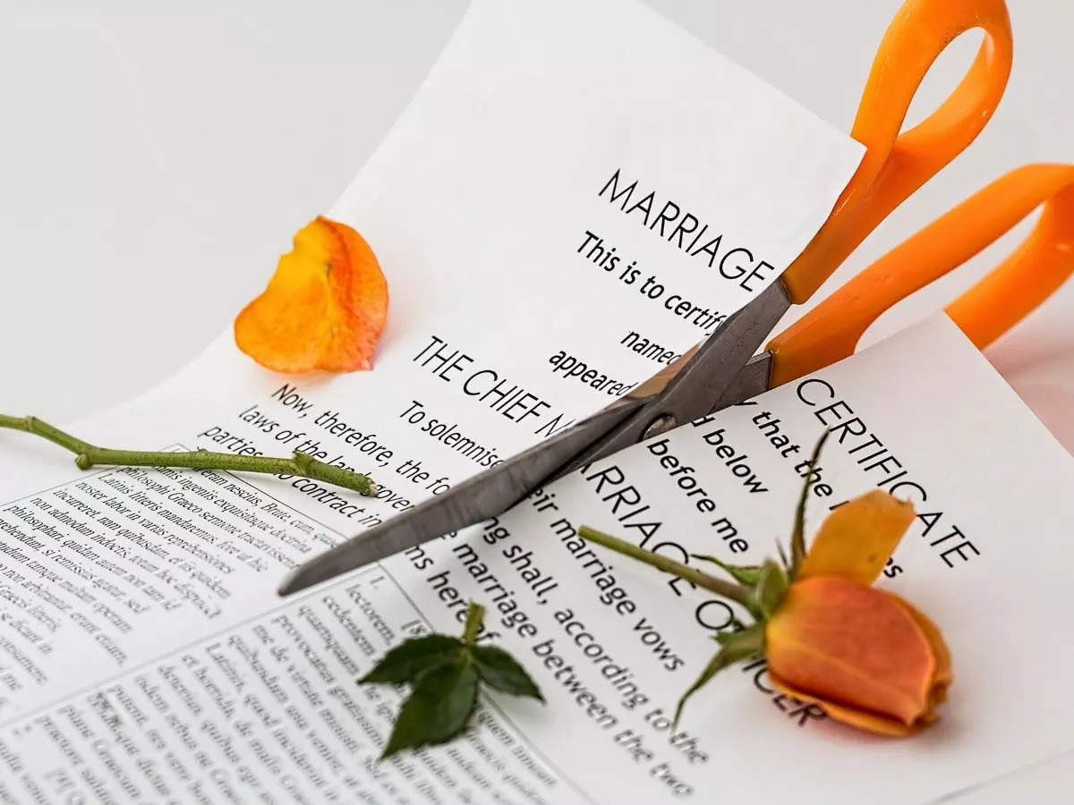How to ask your spouse for a divorce  | The Times of India