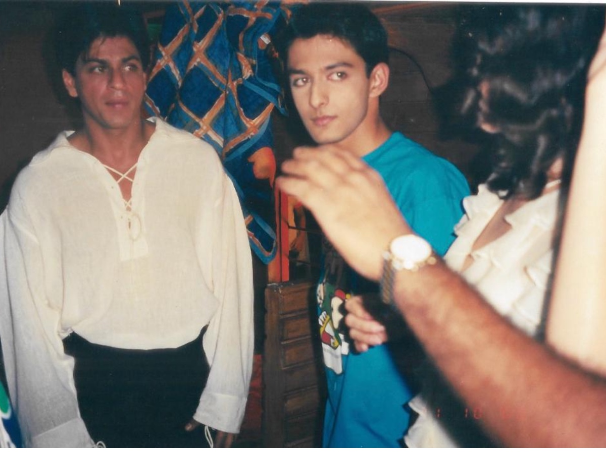 Atwal Sheth shared an old picture with Shahrukh Khan